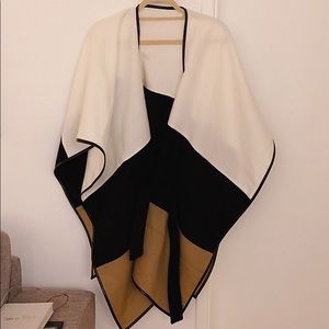 💕2 for $30💕 Ann Taylor cape NWOT OS